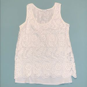 CAbi white lace lined sleeveless top